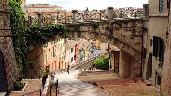 Perugia-Village-571x322